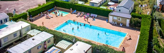 Camping manche gouville sur mer location vacances for Camping avec piscine normandie